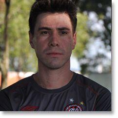 d99d384f49e3c Se até pouco tempo os treinadores de goleiros eram ex-atletas sem formação  acadêmica