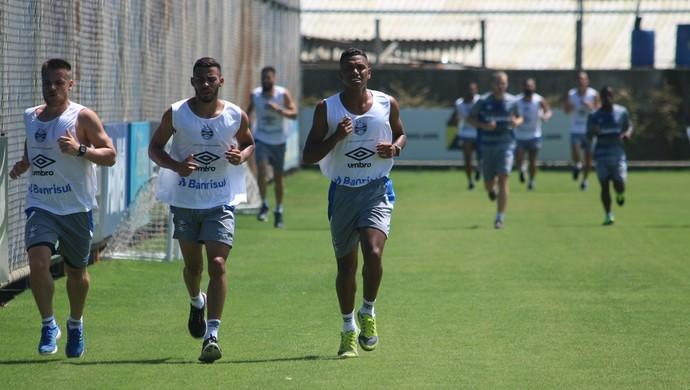 Time do Grêmio em pré-temporada (Foto: Eduardo Moura/Globoesporte.com)